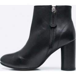 Gioseppo - Botki. Czarne buty zimowe damskie Gioseppo, z materiału, na obcasie. W wyprzedaży za 199,90 zł.