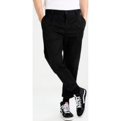 Spodnie męskie: Carhartt WIP TAYLOR BENSON Chinosy black rigid