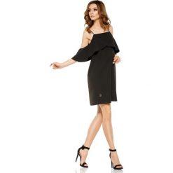 Modna sukienka z odkrytymi ramionami czarna VALENTINA. Czarne sukienki balowe Lemoniade, na imprezę, l, z falbankami, w kształcie a. Za 159,90 zł.