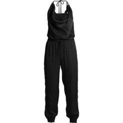 Uno Piu Uno LIRA  Kombinezon black. Czarne kombinezony damskie marki Uno Piu Uno, z materiału. W wyprzedaży za 426,75 zł.