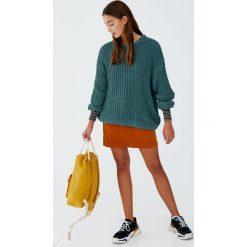 Luźny szenilowy sweter. Brązowe swetry klasyczne damskie Pull&Bear. Za 109,00 zł.