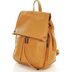 Skórzany plecak damski AMBER camel. Brązowe plecaki damskie Vera Pelle, w paski, ze skóry. Za 299,00 zł.