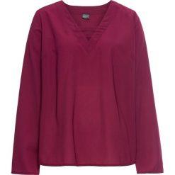 Bluzka bonprix jeżynowy. Fioletowe bluzki asymetryczne bonprix, w paski, z dekoltem w serek, z długim rękawem. Za 74,99 zł.