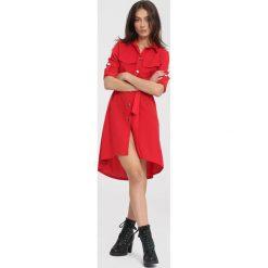 Czerwona Sukienka Walls Could Talk. Czerwone sukienki other, uniwersalny, z koszulowym kołnierzykiem, koszulowe. Za 79,99 zł.