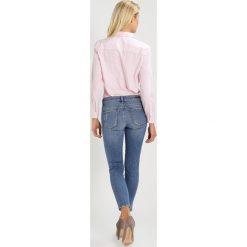 Mavi TESS Jeans Skinny Fit destroyed denim. Szare boyfriendy damskie Mavi. W wyprzedaży za 215,20 zł.