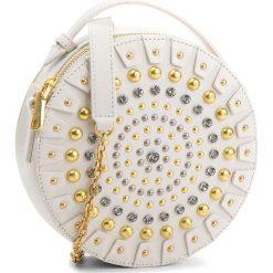 Torebka GUESS - HWYOYS L8388  IVM. Białe torebki klasyczne damskie Guess, z aplikacjami, ze skóry. W wyprzedaży za 709,00 zł.