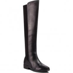 Muszkieterki CAPRICE - 9-25526-21 Black Comb 019. Czarne buty zimowe damskie Caprice, z materiału, na obcasie. W wyprzedaży za 339,00 zł.