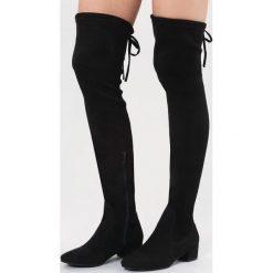 Czarne Kozaki Genial. Czarne buty zimowe damskie vices, z materiału, z okrągłym noskiem, na obcasie. Za 159,99 zł.