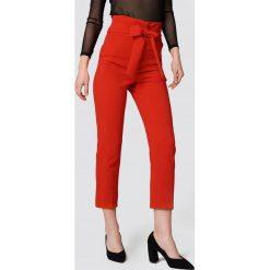 Spodnie z wysokim stanem: Trendyol Spodnie garniturowe z wysokim stanem - Red