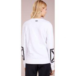 KARL LAGERFELD TERRY Bluza white/black. Białe bluzy rozpinane damskie KARL LAGERFELD, l, z bawełny. Za 689,00 zł.