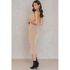 Sukienki hiszpanki: ASTR Sukienka Ivana – Pink,Nude