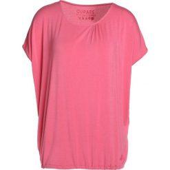Curare Yogawear WIDE Tshirt basic himbeere. Czerwone t-shirty damskie Curare Yogawear, l, z elastanu. Za 189,00 zł.