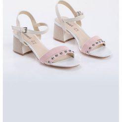 Sandały damskie: Sandały z dżetami