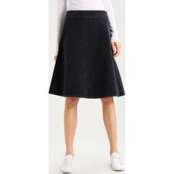 Spódniczki jeansowe: Mads Nørgaard STELLY CLEAN Spódnica trapezowa washed black