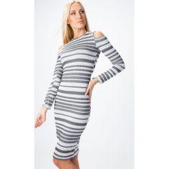 Sukienka z odkrytymi ramionami w paski jasnoszara 65141. Niebieskie sukienki z falbanami marki Reserved, z odkrytymi ramionami. Za 59,00 zł.