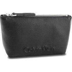 Kosmetyczka CALVIN KLEIN BLACK LABEL - Edge Cosmetic Pouch K60K603938 001. Czarne kosmetyczki męskie marki Reserved. Za 179,00 zł.