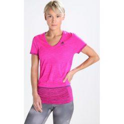 ODLO KAMILERA    Tshirt z nadrukiem pink. Czerwone t-shirty damskie Odlo, m, z nadrukiem, z poliesteru. W wyprzedaży za 148,85 zł.