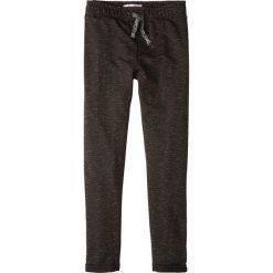 Spodnie dresowe melanżowe bonprix czarny melanż. Czarne dresy chłopięce bonprix, melanż, z dresówki. Za 24,99 zł.