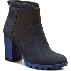 Botki BALDOWSKI - D01802-3665-005 Zamsz Granat. Niebieskie buty zimowe damskie Baldowski, ze skóry, na obcasie. W wyprzedaży za 359,00 zł.