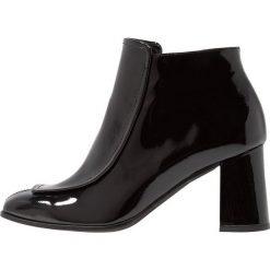 Paco Gil WINNER ALEXA Ankle boot black. Czarne botki damskie na zamek Paco Gil, z materiału. Za 1009,00 zł.
