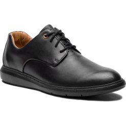 Półbuty CLARKS - Un Voyage Plain 261367767 Black Leather. Czarne derby męskie Clarks, ze skóry. Za 539,00 zł.
