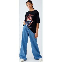 Koszulka The Rolling Stones USA. Czarne t-shirty damskie marki Pull&Bear. Za 69,90 zł.