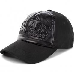 Czapka z daszkiem GUESS - AM7936 COT01 BLA. Czarne czapki z daszkiem damskie Guess, z aplikacjami, z materiału. Za 189,00 zł.