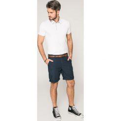 Guess Jeans - Szorty. Szare spodenki jeansowe męskie Guess Jeans, z aplikacjami, casualowe. W wyprzedaży za 299,90 zł.