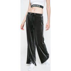 Missguided - Spodnie by Jourdan Dunn. Szare bryczesy damskie marki Missguided, z dzianiny. W wyprzedaży za 79,90 zł.