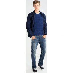 Marc O'Polo DENIM Sweter combo. Niebieskie swetry klasyczne męskie marki Marc O'Polo DENIM, m, z bawełny, polo. W wyprzedaży za 291,75 zł.