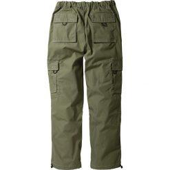 Spodnie bojówki Loose Fit Straight bonprix oliwkowy. Zielone bojówki męskie marki bonprix, w paski. Za 79,99 zł.