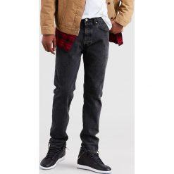 Levi's - Jeansy 501 Justin Timberlake. Brązowe jeansy męskie regular Levi's®, z aplikacjami, z bawełny. W wyprzedaży za 279,90 zł.