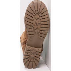 Head over Heels by Dune TIBBIE Kozaki sznurowane tan. Brązowe kozaki damskie Head over Heels by Dune, z materiału. W wyprzedaży za 251,40 zł.