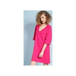 Eteryczna Lisa - sukienka - fuksjowa. Różowe sukienki balowe marki numoco, l, z dekoltem w łódkę, oversize. Za 229,00 zł.