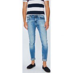 Tommy Jeans - Jeansy Scanton. Niebieskie jeansy męskie regular Tommy Jeans, z bawełny. Za 399,90 zł.