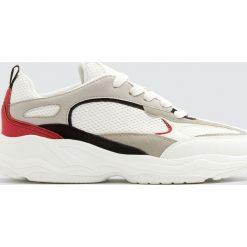 Buty sportowe męskie: Białe buty sportowe na grubej podeszwie