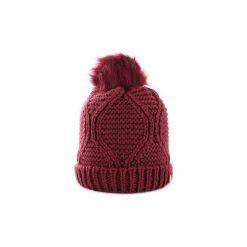 Czapki Guess  AW6801WOL01. Brązowe czapki zimowe damskie Guess, z aplikacjami. Za 180,11 zł.