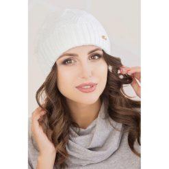 Czapki damskie: Czapka w kolorze białym