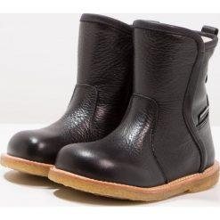 ANGULUS Botki kowbojki i motocyklowe black. Czarne buty zimowe damskie ANGULUS, z materiału. W wyprzedaży za 454,35 zł.