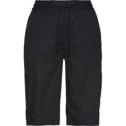 Lekkie szorty z elastycznym paskiem bonprix czarny. Czarne szorty damskie bonprix. Za 59,99 zł.