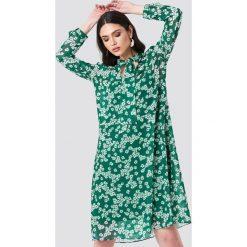 Samsoe & Samsoe Sukienka z długim rękawem Merritt - Green. Zielone długie sukienki marki Reserved, z wiskozy. Za 526,95 zł.