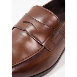 Buty wizytowe męskie: KIOMI Eleganckie buty tan