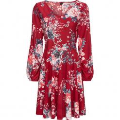 Sukienka z krepy z dżerseju bonprix czerwony w kwiaty. Czerwone sukienki z falbanami marki bonprix, w kwiaty, z dżerseju. Za 59,99 zł.