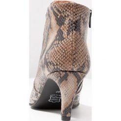 Brenda Zaro BENETTBO Ankle boot algar pesaro. Szare botki damskie skórzane Brenda Zaro. Za 589,00 zł.
