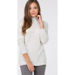 Golfy damskie: Długi sweter z golfem