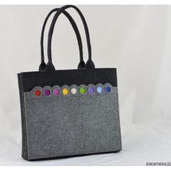 Torba na ramię Grafit z Kolorowymi Kropkami. Szare torebki klasyczne damskie Pakamera, w kolorowe wzory, zdobione. Za 109,00 zł.