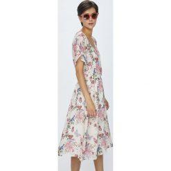 Pepe Jeans - Sukienka Roser. Szare sukienki mini marki Pepe Jeans, na co dzień, l, z bawełny, casualowe, z krótkim rękawem. W wyprzedaży za 299,90 zł.
