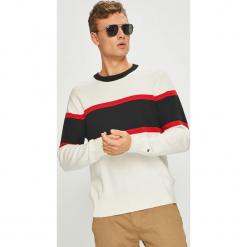 Tommy Hilfiger - Sweter. Szare swetry klasyczne męskie TOMMY HILFIGER, l, z bawełny, z okrągłym kołnierzem. Za 579,90 zł.