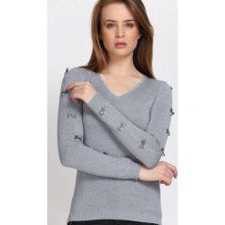 Szary Sweter Reflecting. Szare swetry klasyczne damskie Born2be, l, dekolt w kształcie v. Za 74,99 zł.