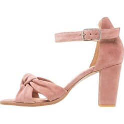 Rzymianki damskie: Pavement SILKE KNOT Sandały rosa